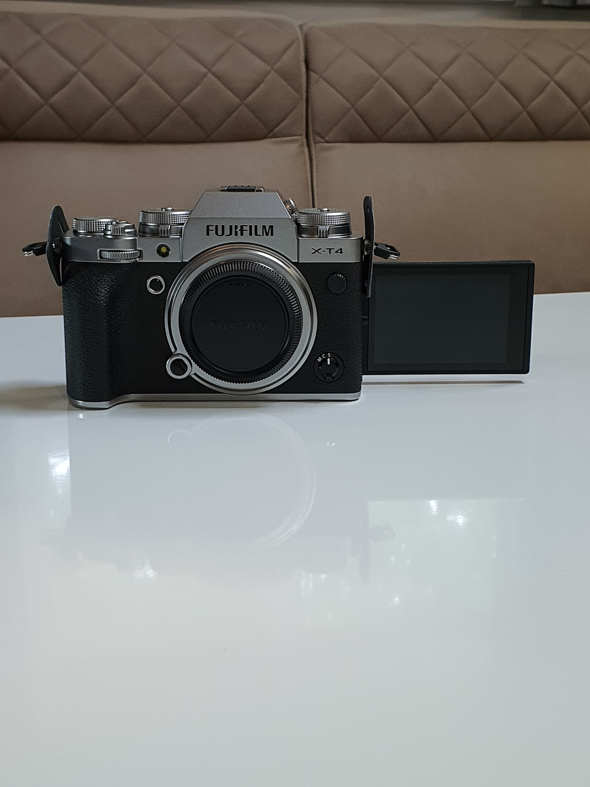 Fujifilm X-T4: Erster Eindruck und Unboxing